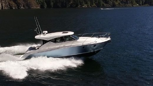 2017 Tiara Yachts 39 Coupe