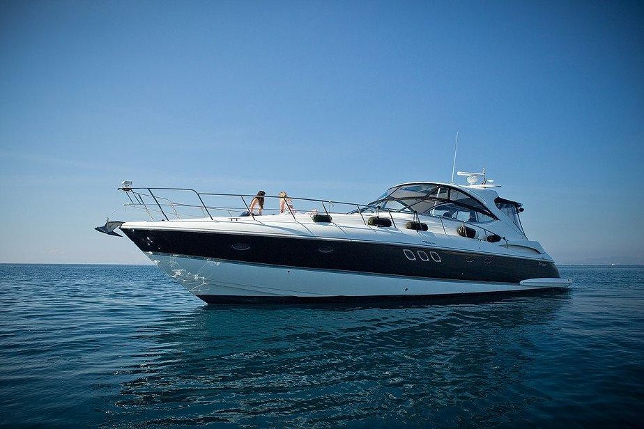2011 Cruisers Yachts 560 Express Power Boat For Sale - www