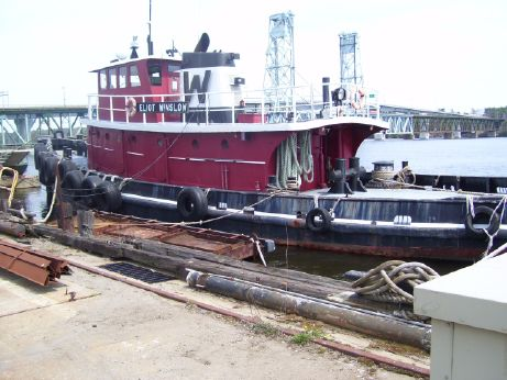 1943 Model Bow Tug - Single Screw - 2400 Hp - Harbor and Near Coastal Towing - Open to Offers