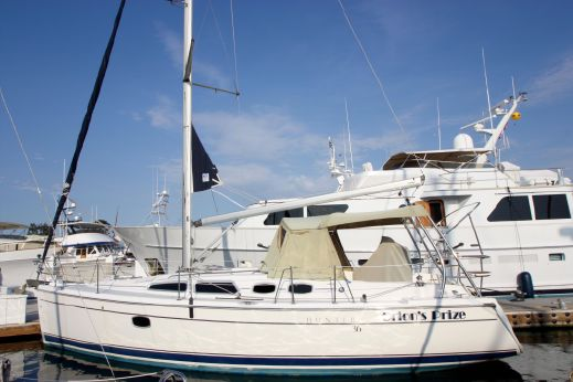2008 Hunter Sailboat 36