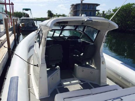 2005 Protector 35 Cabin