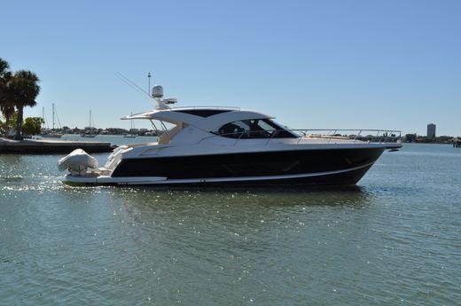 2015 Riviera 4400 Sport Yacht