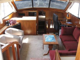 thumbnail photo 1: 1986 Californian Cockpit Motoryacht
