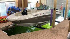 2009 Sea Ray 210 Sundeck