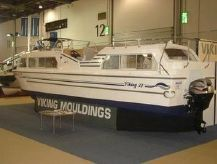 2020 Viking 32cc Highline Canal Cruiser