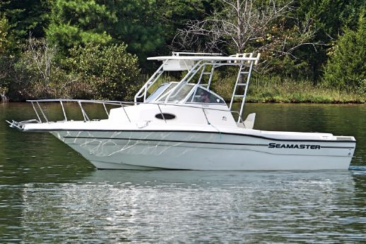 2001 Sea Master 2388 Walk Around