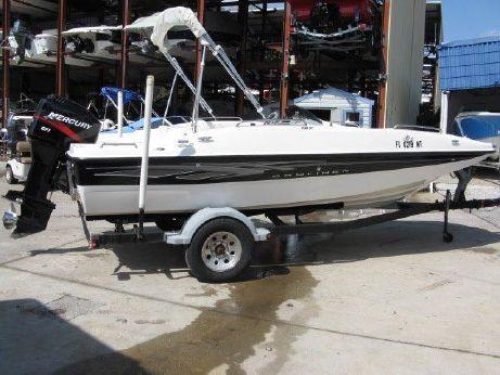 2007 Bayliner 197 Deck Boat