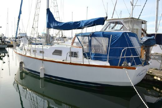 1987 Folkes Admiralty 39 Cutter