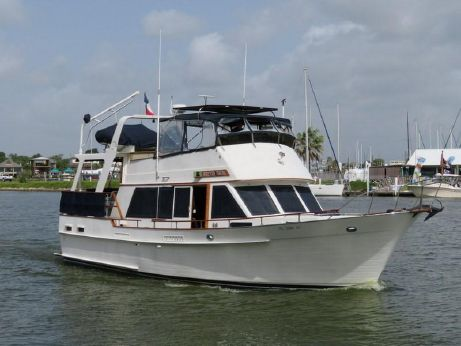 1984 Island Gypsy Flush Aft Deck with Hard Top