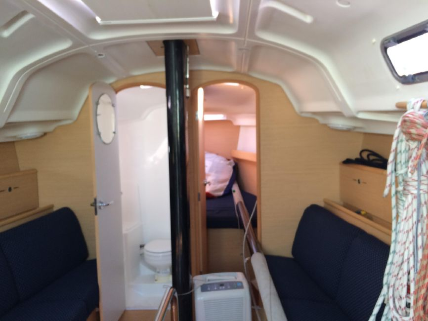 Beneteau First 36.7 Salon Interior