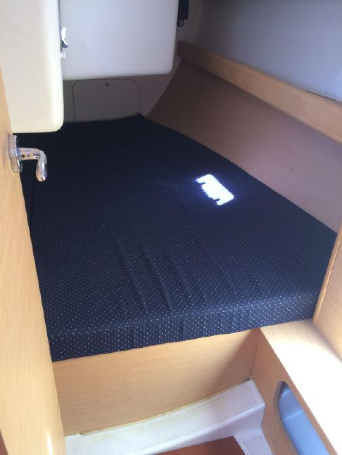 Beneteau First 36.7 Guest Cabin
