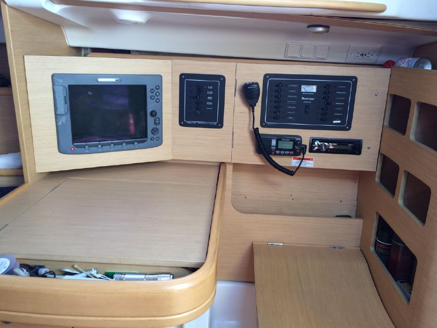 Beneteau 36.7 First Nav Station