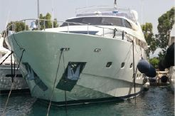 2002 Ferretti YachtsCust...