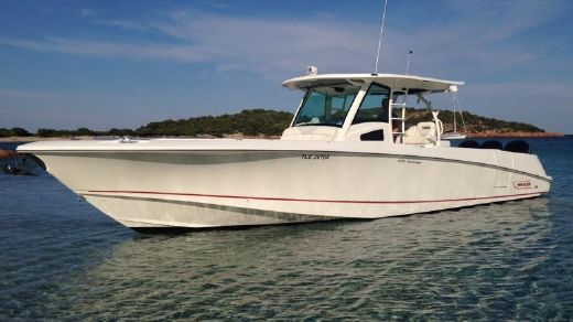 2010 Boston Whaler 370 Outrage