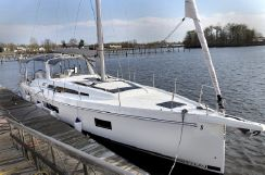 2020 Beneteau Oceanis 51.1  In-Stock