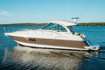 2015 Cruisers Yachts 430 Sports Coupe