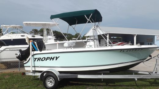 2006 Bayliner 1703 Trophy Center Console