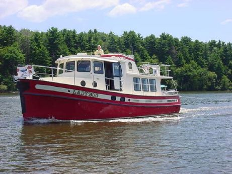 2000 Nordic Tug Flybridge Trawlers