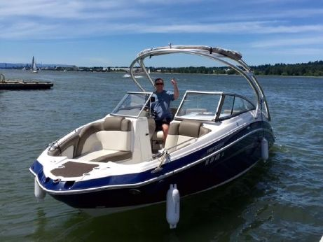 2011 Yamaha Sport Boat 242 Limited S