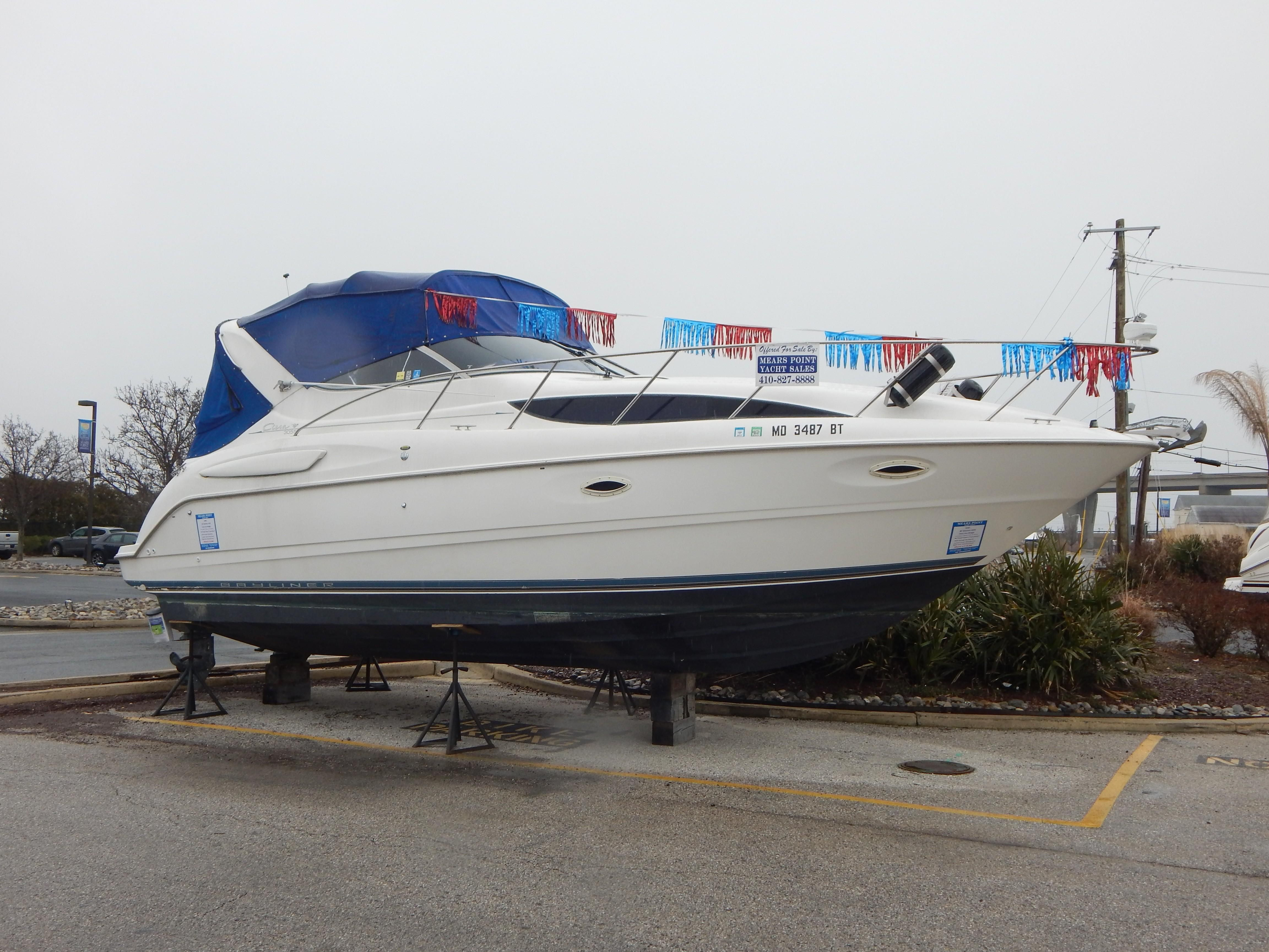 2001 Bayliner 3055 Ciera Power New and Used Boats for Sale -