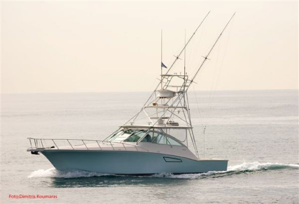 Cabo Yachts 45 Express Type Motor. A very nice boat, featuring custom ...