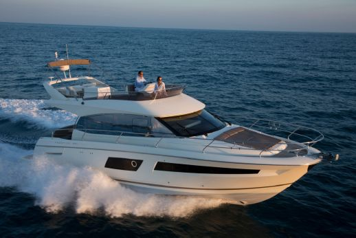 2015 Prestige Yachts 450 Flybridge