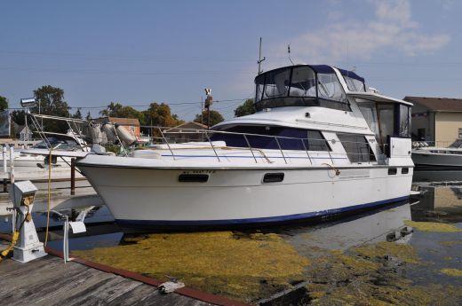 1990 Carver 4207 Motor Yacht