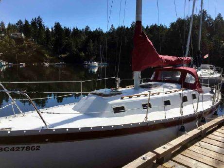 1980 Endeavor Sailboat 32 Cruiser