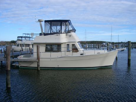 2008 Mainship 34 Trawler(upper&lower helm)