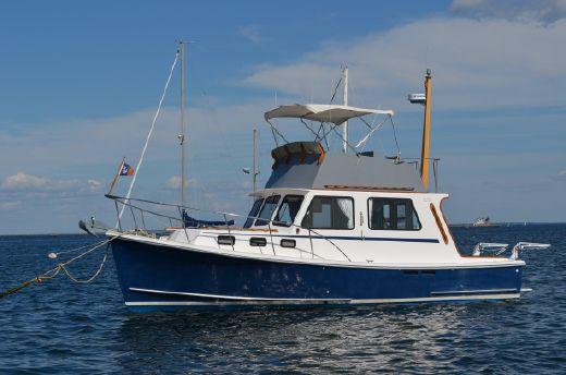 1991 Flye Point Flybridge Cruiser