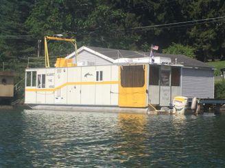 2007 Custom Houseboat UFAB 37
