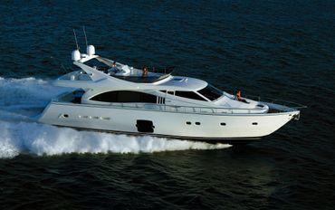 2005 Ferretti Yachts 731