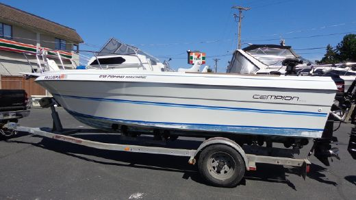 1990 Campion 215 Fishing Machine