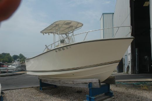 2003 Kencraft 215 Center Console