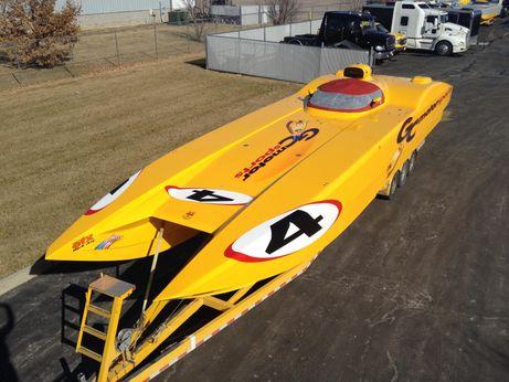 2004 Mti 44 Race Boat