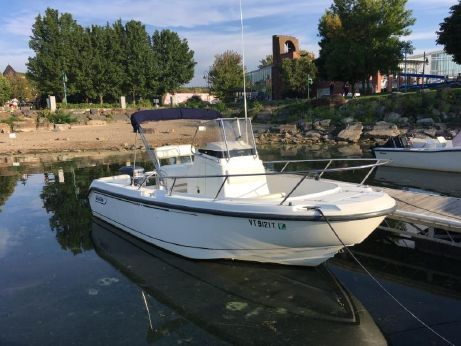 1999 Boston Whaler Outrage 210