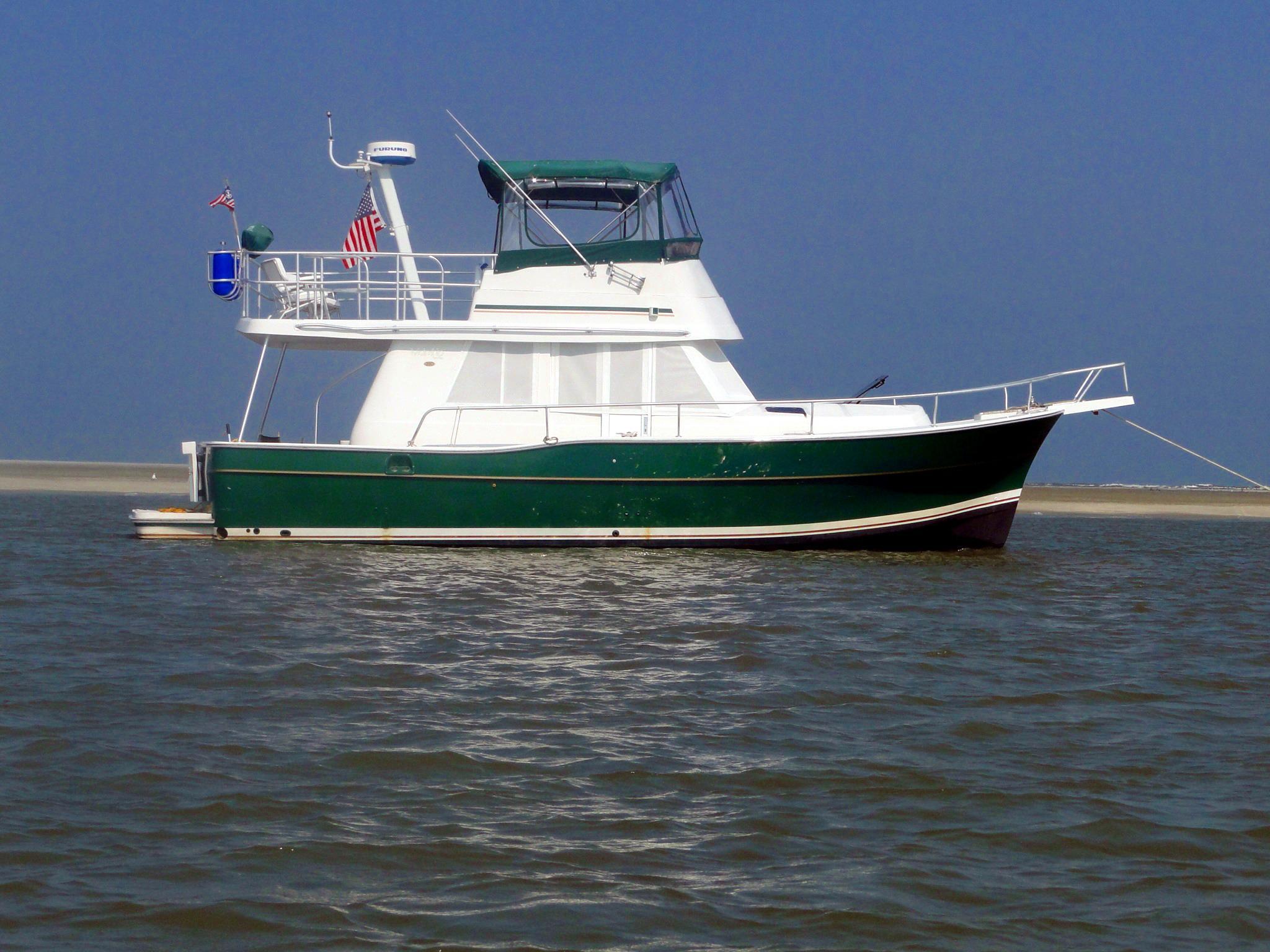 39 feet mainship 39 trawl
