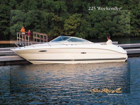 2002 Sea Ray 225 Weekender