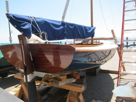 2010 Gartside Sloop Gaff Rigged