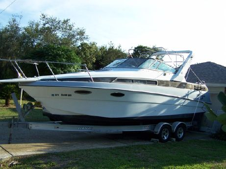1990 4 Winns Vista 265 Express Cruiser