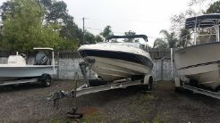 2004 Chaparral bowrider 21'