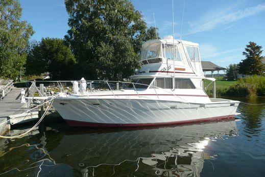 1980 Viking Yachts Convertible