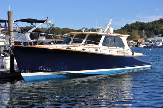 2013 Hinckley Talaria 48 Motor Yacht