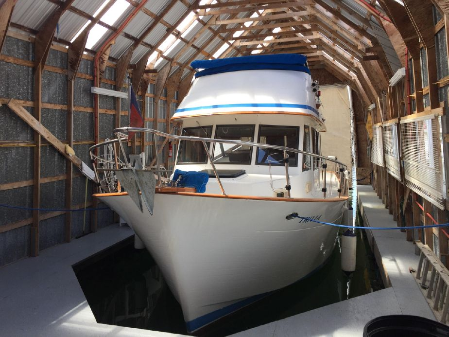 1984 chb tri-cabin trawler