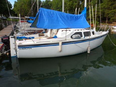 1983 Laguna sailboat