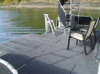 thumbnail photo 1: 2004 Horizon 18 x 85 Houseboat