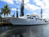 photo of 100' Broward Raised Pilot House
