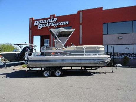 2015 Sun Tracker PARTY BARGE