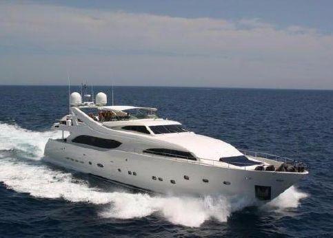 2002 Ferretti Yachts Custom Line 112