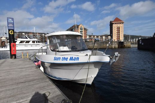 2003 Quicksilver 620 Pilothouse
